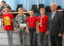 Команда школы № 67 с В.Е. Никулиным